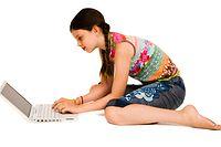 Chat, Chatting, Kind, Kinder, Jugend, Jugendliche, Mädchen, Laptop, Computer, Internet, E-mail, Online