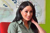 ARCHIV - 01.10.2019, Südafrika, Johannesburg: Meghan, Herzogin von Sussex, besucht die Organisation Action Aid. Herzogin Meghan hat dem britischen Königshaus vorgeworfen, Unwahrheiten über sie stehen zu lassen. (zu dpa: «Meghan: Königshaus hält Unwahrheiten weiter aufrecht») Foto: Mark Large/Daily Mail/PA Wire/dpa +++ dpa-Bildfunk +++