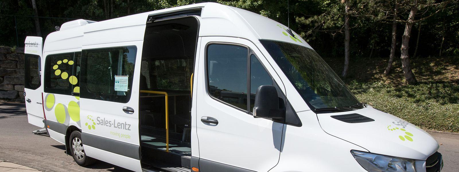 Bitte einsteigen: Die Sales-Lentz-Gruppe baut Minibusse um, um das Wiedersehen mit der Familie möglich zu machen.