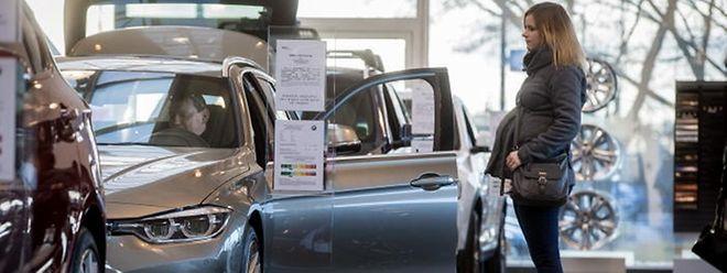 En un an, les ventes de voitures diesel ont chuté de 10,8% au Luxembourg tandis que les ventes de voitures essence ont progressé de 9%.