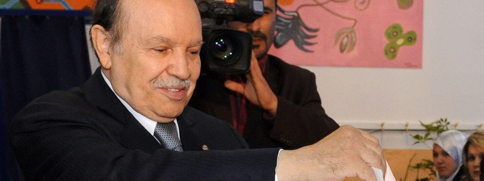 Bouteflika bei den Wahlen im April 2009.