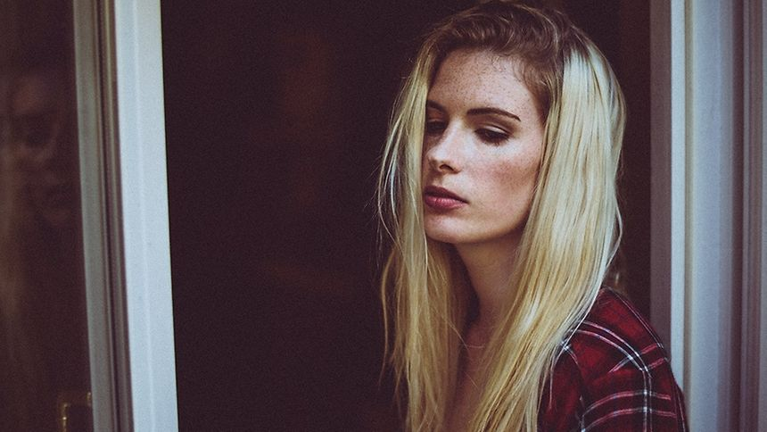"Luxembourger Joelle Gelhausen aka Foxy releases her debut single ""Puppet"""