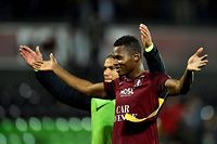 Metz' Senegalese forward Habib Diallo celebrates at the end of the French L1 football match between Metz (FCM) and Nantes (FCN) at Saint Symphorien stadium in Longeville-les-Metz, eastern France, on October 19, 2019. (Photo by JEAN-CHRISTOPHE VERHAEGEN / AFP)