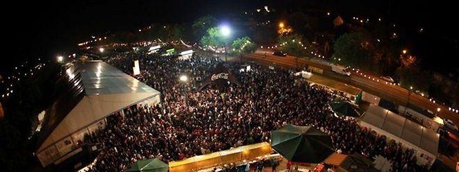 """Das Wein- und Winzerfest und die """"Picadilly""""-Party finden alljährlich auf der Wiese neben der Schleuse in Stadtbredimus statt."""