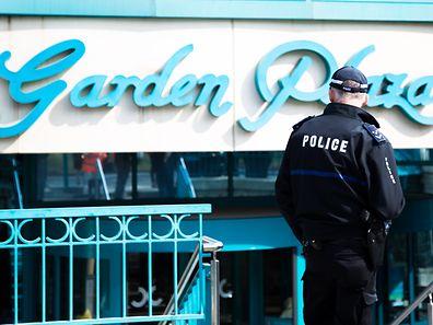 Gegen 9.30 Uhr wurde das Einkaufszentrum von der Polizei hermetisch abgeriegelt.