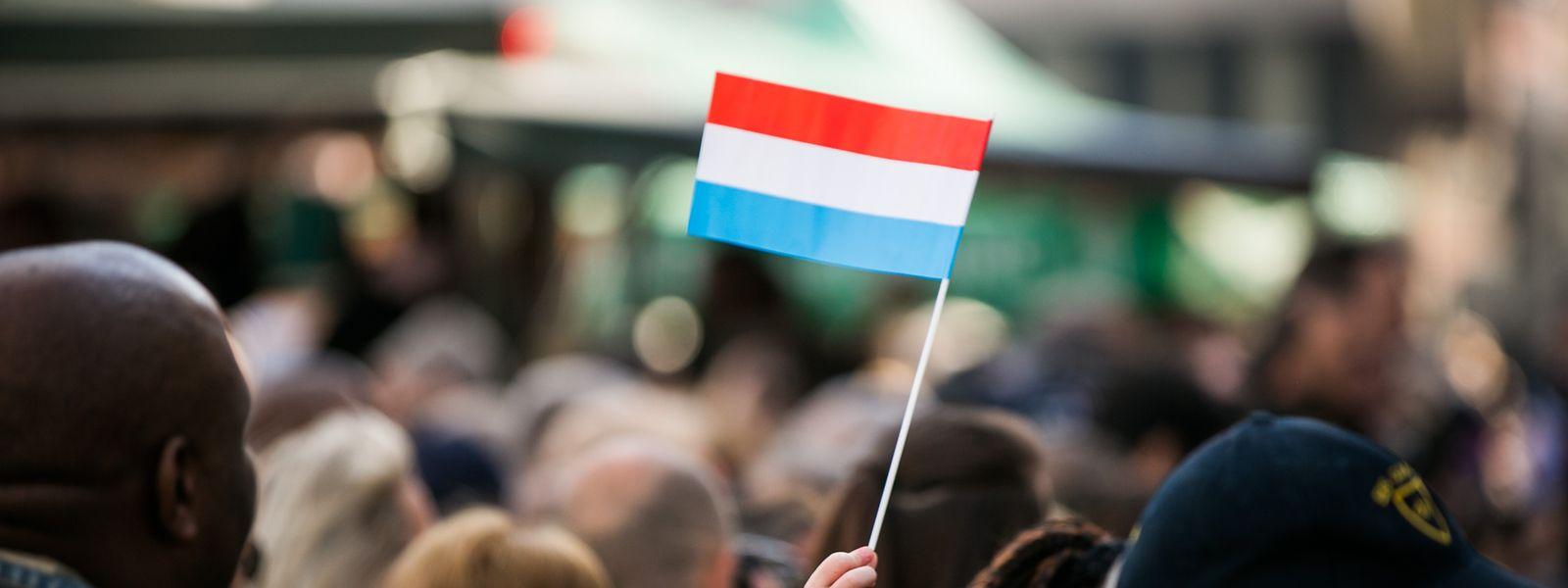 Nationalfeiertag 2018 in Esch, warten auf Erbgrossherzog Guillaume und Erbgrossherzogin Stéphanie.