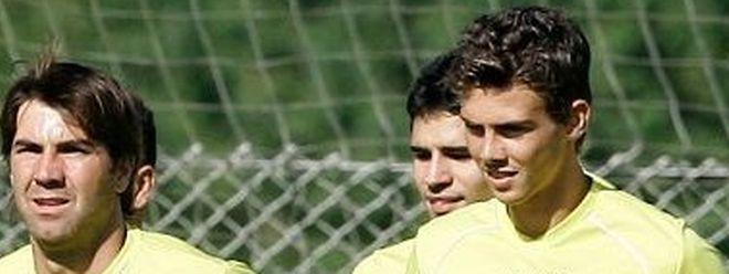Romeu Torres, à droite, est le nouvel attaquant du Progrès.