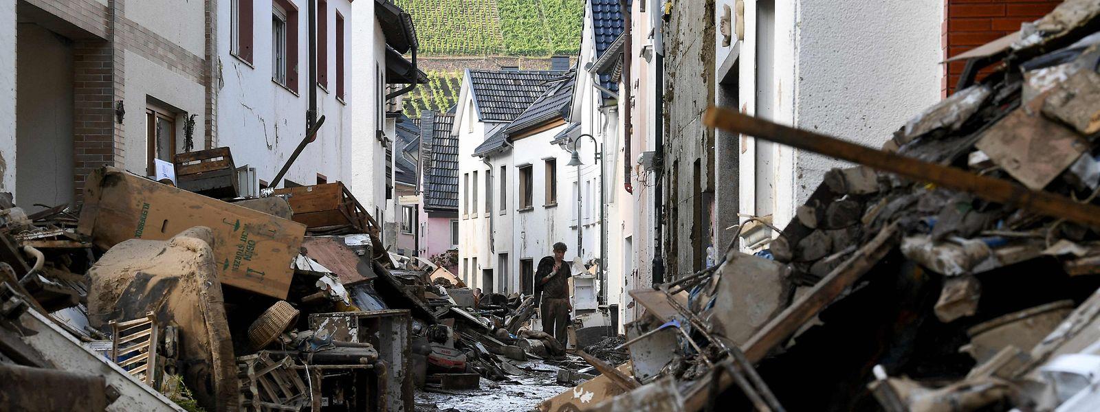 Os estragos na cidade alemã de Dernau.