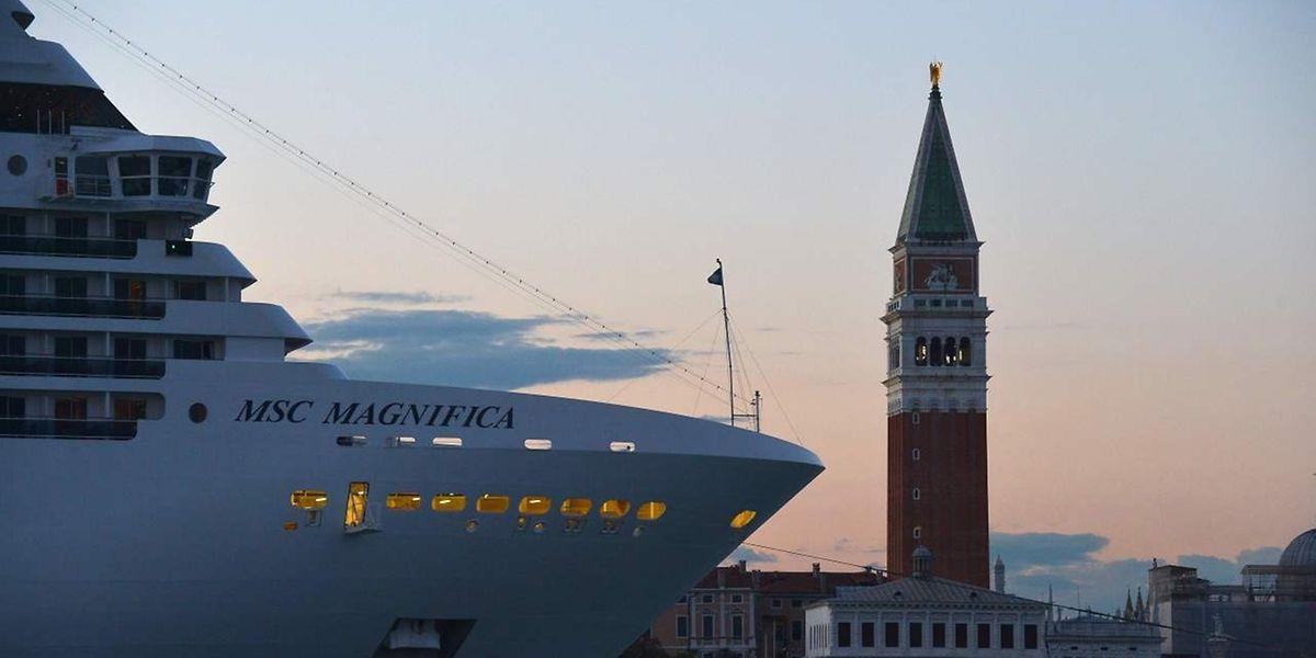 Venedig lebt vom Tourismus - und auch vom Kreuzfahrttourismus, viele Arbeitsplätze hängen davon ab.