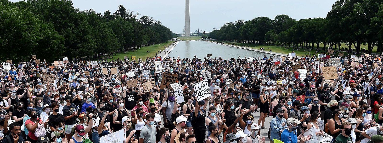Demonstranten am Lincoln Memorial in Washington.