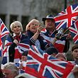 """Pro-Brexit supporters holding Union flags attend a rally in central London on March 29, 2019, organised by Leave Means Leave. - British MPs on Friday rejected Prime Minister Theresa May's EU divorce deal for a third time, opening the way for a long delay to Brexit -- or a potentially catastophic """"no deal"""" withdrawal in two weeks. (Photo by Daniel LEAL-OLIVAS / AFP)"""