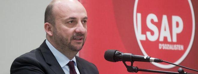 Vizepremier Etienne Schneider spricht erstmals konkret über die Details der geplanten Regierungsumbildung.