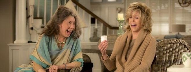 Linda Tomlin (l.) und Jane Fonda können trotz ihres Einsatzes die Serie nicht retten.