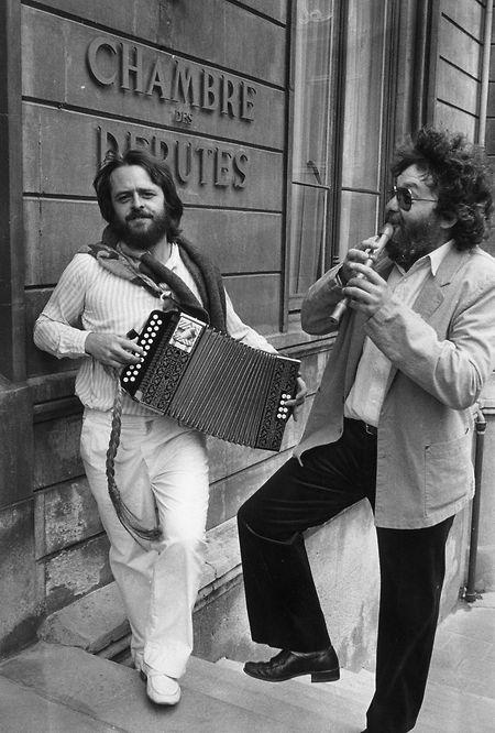 1984, ein Jahr nach ihrer Gründung, ziehen Déi Gréng ins Parlament ein. Jupp Weber (l.) und Jean Huss freuten sich sichtlich.