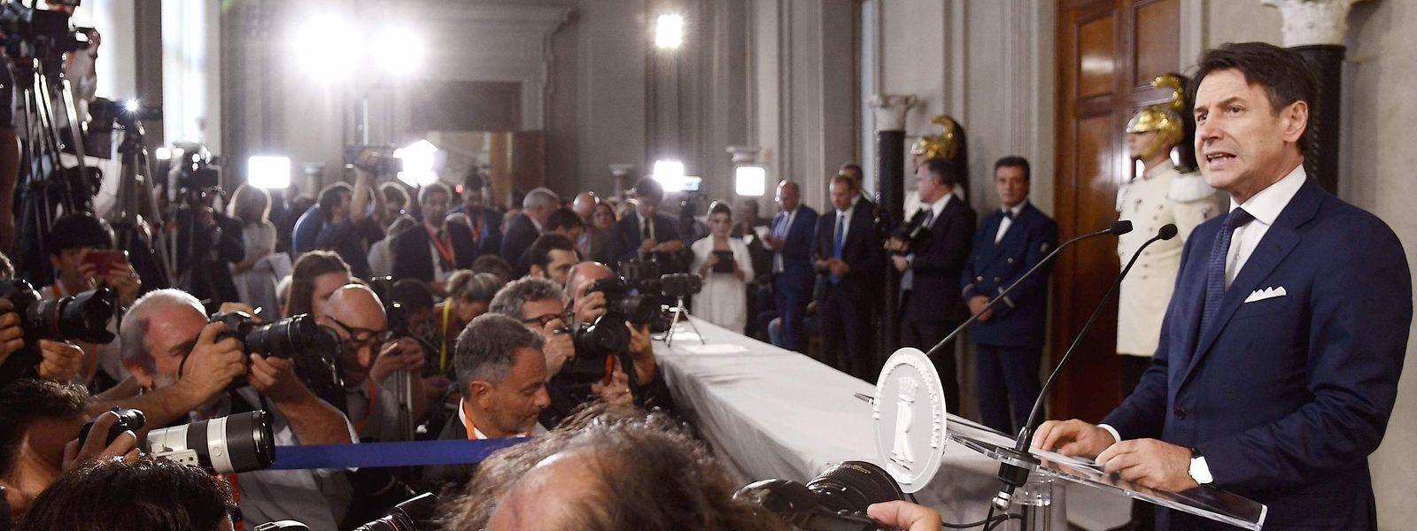 Giuseuppe Conte stellt sein Kabinett vor.