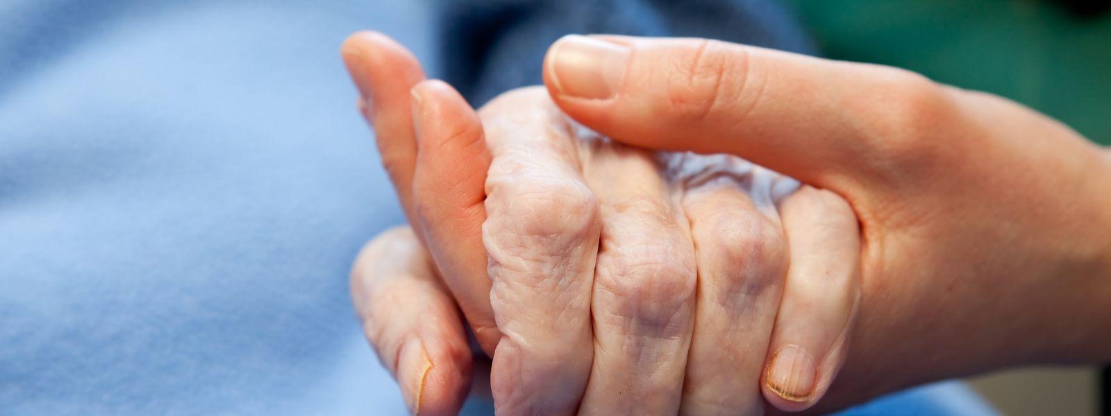 Rund 54 Mitarbeiter und 78 Ehrenamtliche reichten todkranken Menschen bei Omega 90 im vergangenen Jahr eine helfende Hand.