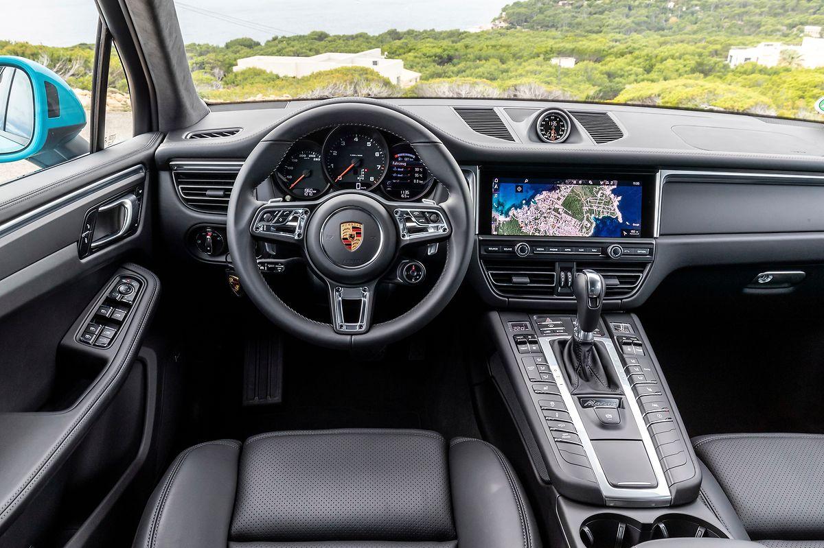 Im Macan-Cockpit geht es sportlich-elegant zu.