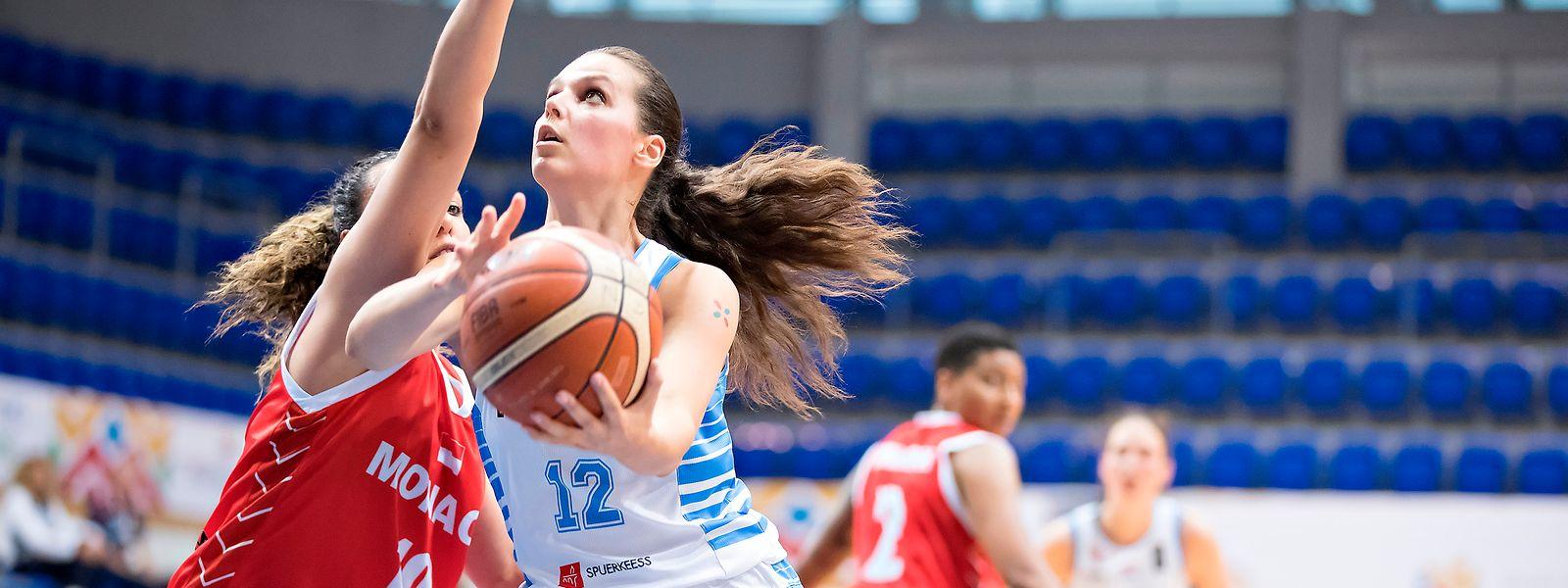 Julija Vujakovic spielt trotz ihres jungen Alters schon seit Jahren für die Nationalmannschaft.