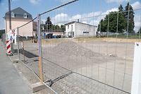 Der Baustopp wurde laut Umweltministerium am 25. Juni verhängt. Seither stehen die Bagger auf der Baustelle in Howelingen still.