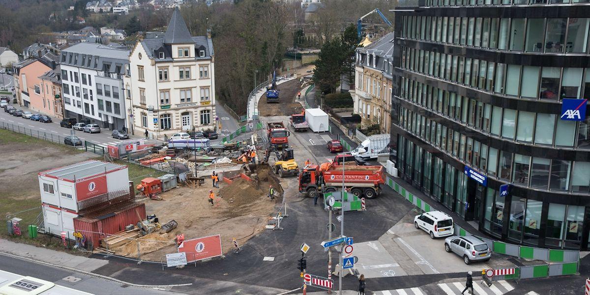 An der Place de l'Étoile soll ein neuer Pôle d'échange für Busse und Tram entstehen.
