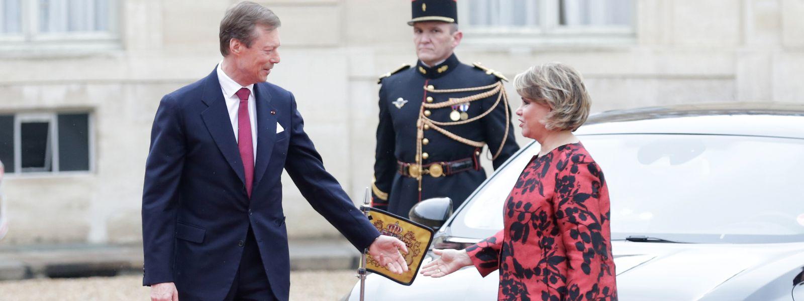 Le grand-duc Henri et la grande-duchesse Maria Teresa lors de leur visite au Palais de l'Elysée le 19 mars 2018.