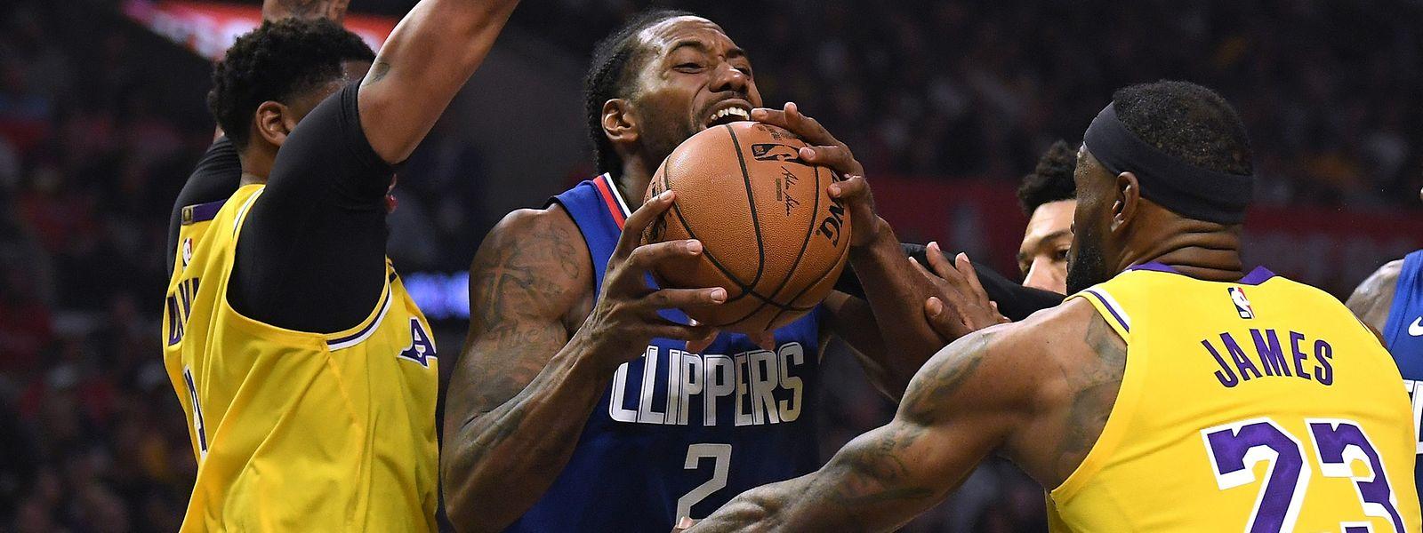 Kawhi Leonard führt die Clippers zum Sieg gegen LeBron James, Anthony Davis (l.) und den Rest der Lakers.