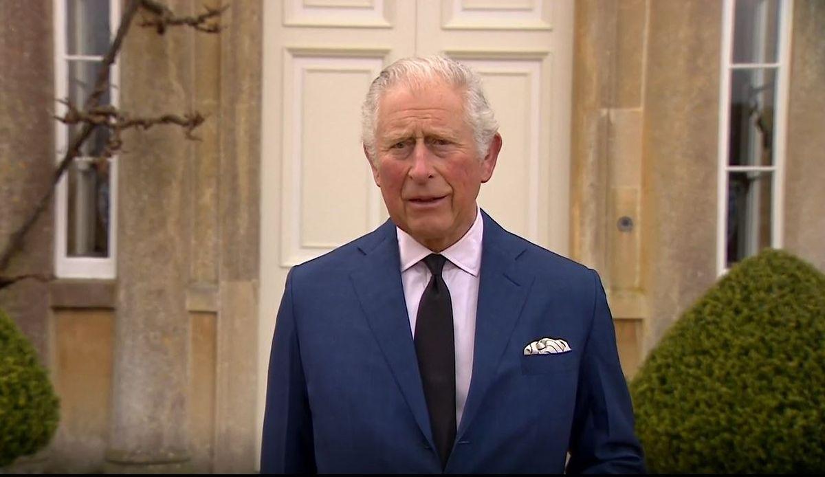 Príncipe Carlos durante a declaração sobre o falecimento do pai, ontem.