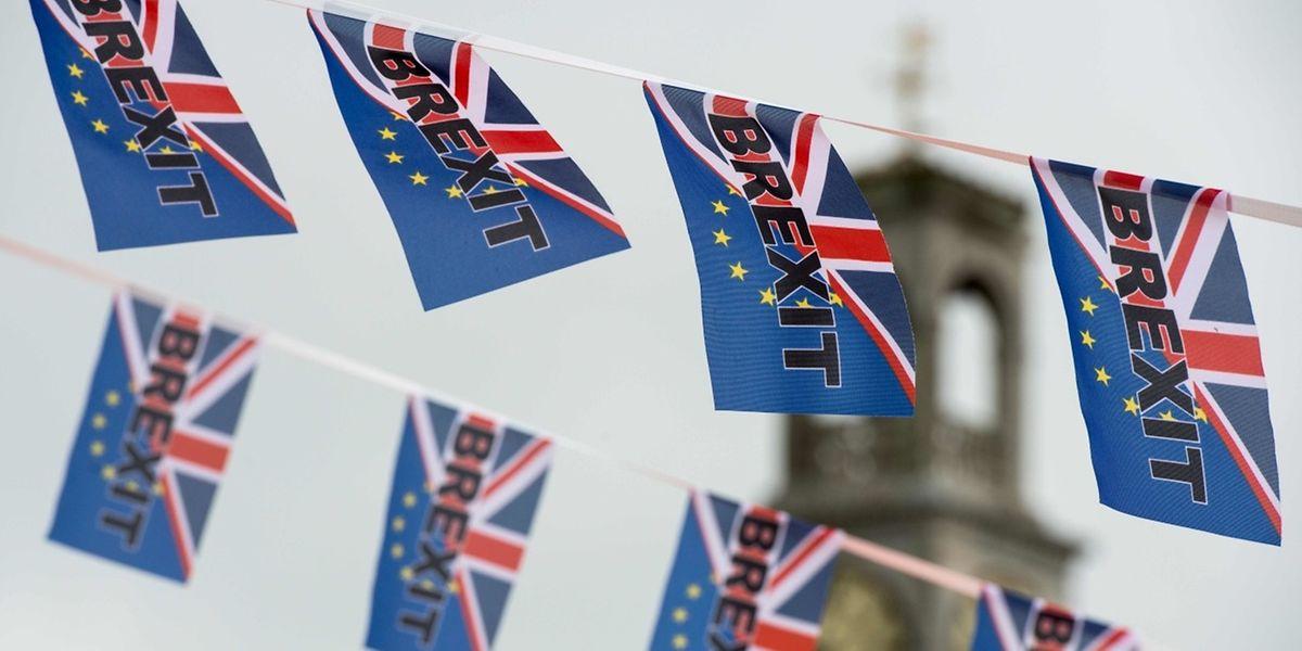 Les Britanniques ont voté par référendum le 23 juin avec 52% des voix la sortie de l'UE, laissant le pays profondément divisé.