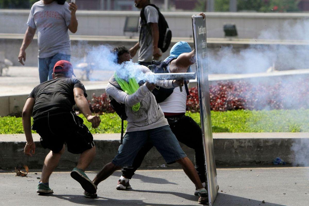 Derzeit finden die heftigsten Proteste in Managua (Nicaragua) statt, seitdem Präsident Daniel Ortega vor elf Jahren die Macht übernommen hat.