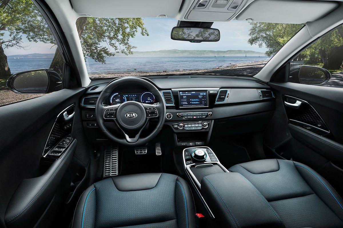 Modern, funktional und übersichtlich: das Cockpit des elektrischen Crossover-Modells.
