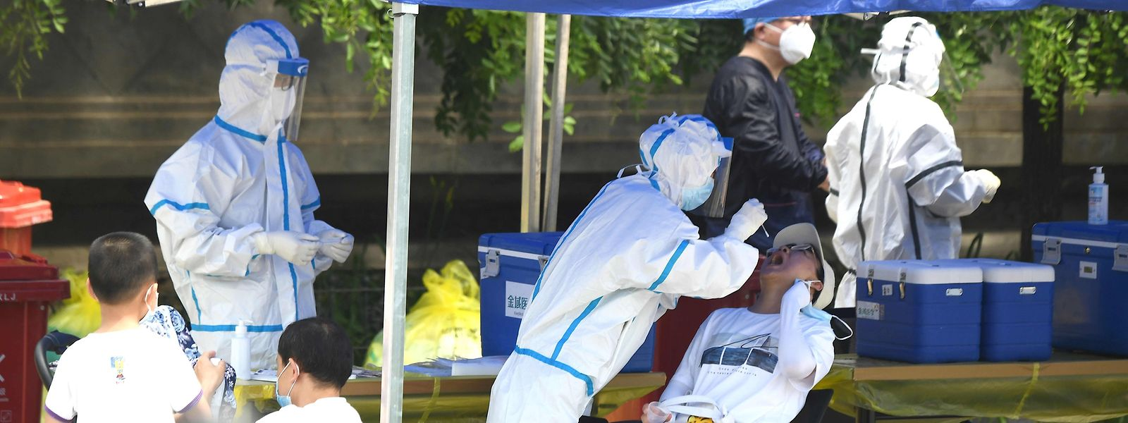 Täglich werden derzeit Tausende von Corona-Tests in Peking durchgeführt, um die Ausbreitung des Virus einzudämmen.