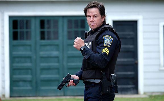 Tommy Saunders (Mark Wahlberg) a-t-il vraiment réussi à attraper le terroriste grâce à l'aide de la population?