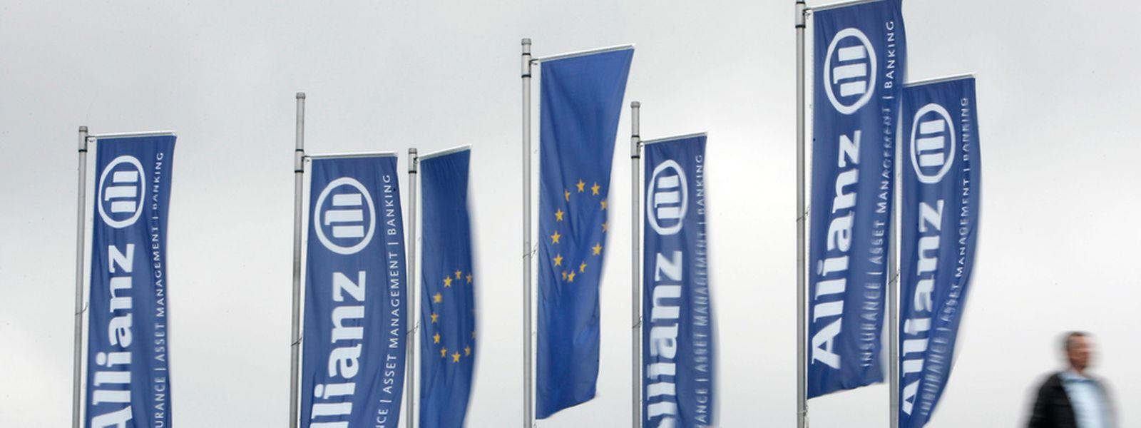 Unter dem Strich verdiente der Konzern vor allem dank guter Geschäfte mit Lebens- und Rentenversicherungen 6,2 Milliarden Euro und damit vier Prozent mehr als ein Jahr zuvor.
