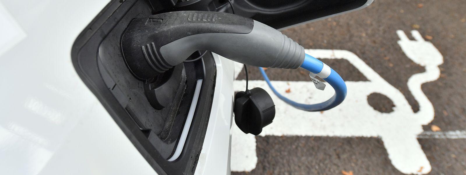 Dank steuerlicher Anreize wächst der E-Auto-Anteil in Luxemburg.