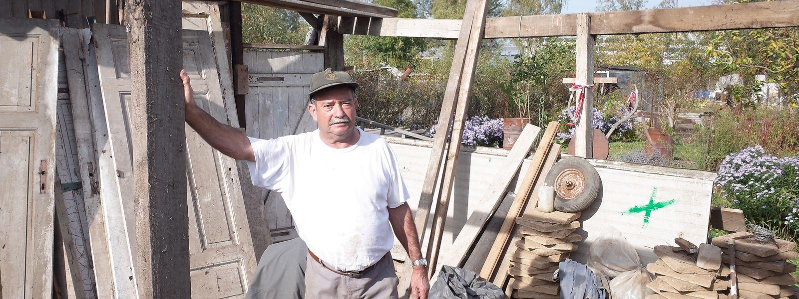 30 Jahre lang hat Armando Goncalves Carvalho eine Gartenparzelle in Elsenbrich geplfegt. Nun will er seine Gartenhütte in Differdingen neu errichten.