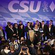 Der CSU-Ministerpräsident Markus Söder spricht zu den Anhängern.