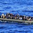Desde o início do ano já morreram mais de 900 migrantes em naufrágios no Mediterrâneo tentando chegar à Europa prometida.