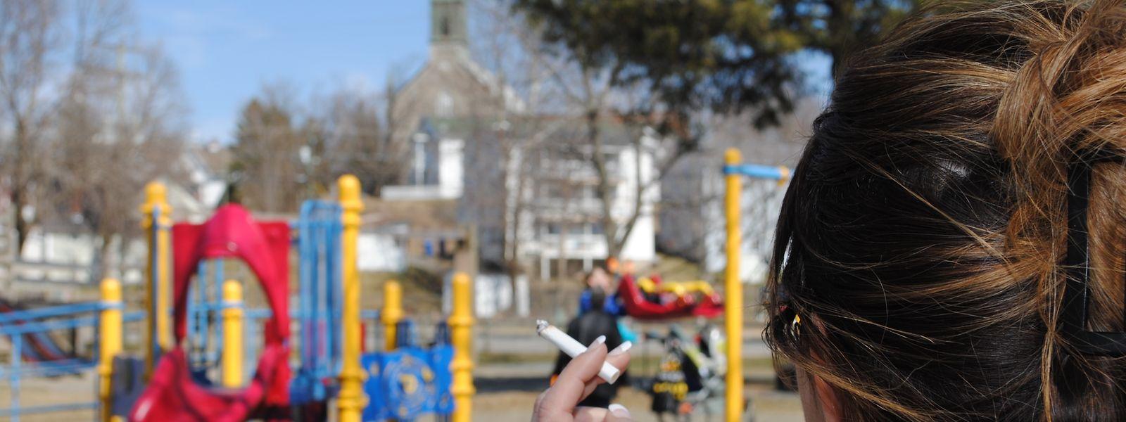 Les parents ne pourront plus s'en griller une petite pour passer le temps au parc