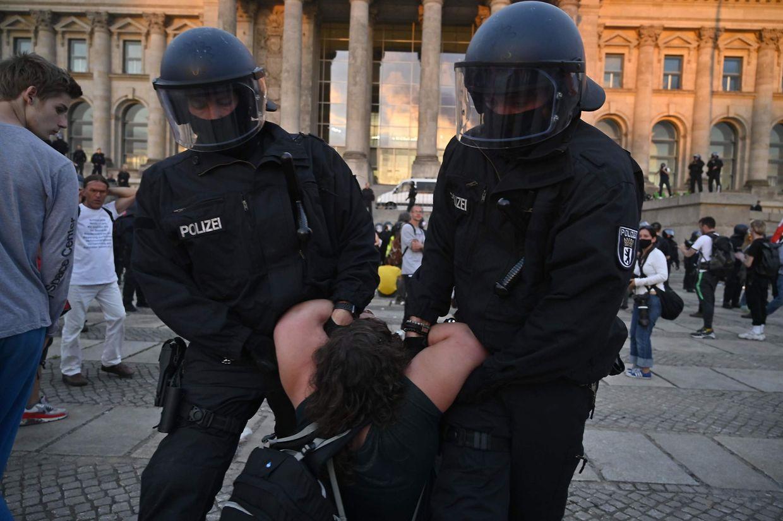 Während der Demo kam es immer wieder zu Konfrontationen mit der Polizei.