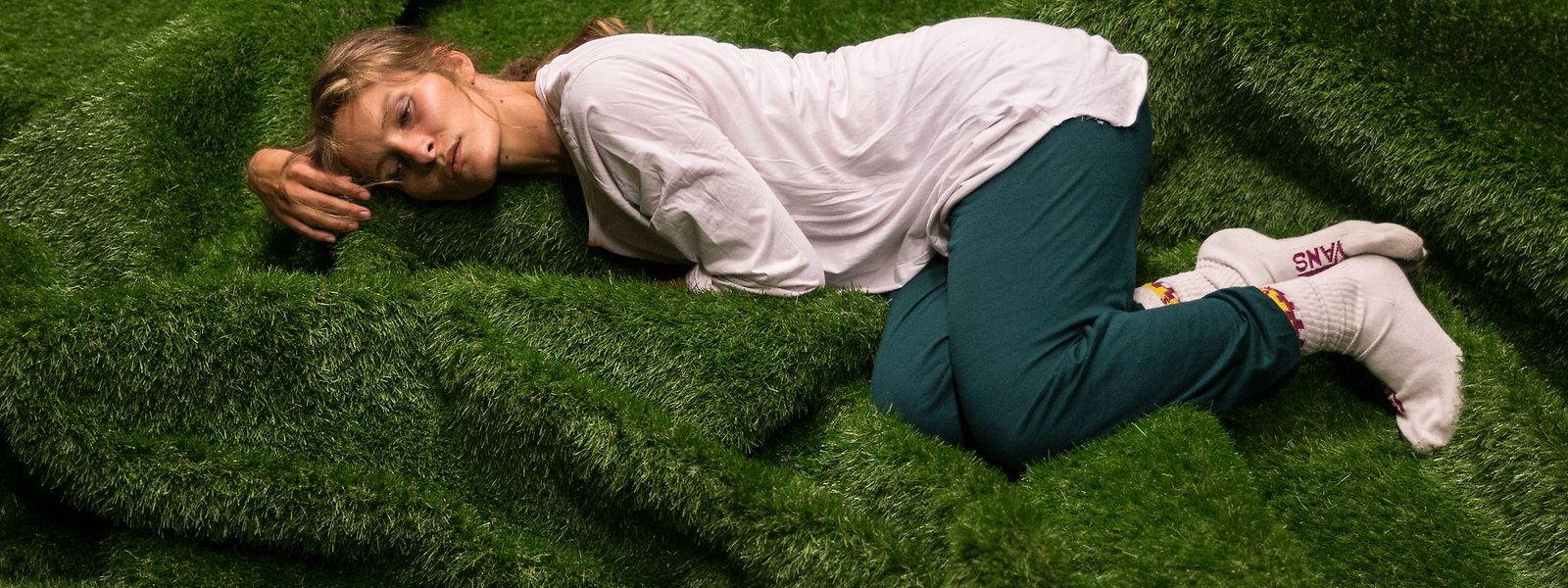 """Jill Crovisier tritt beim Aerowaves Festival mit ihrem Soloprogramm """"The Hidden Garden"""" auf."""