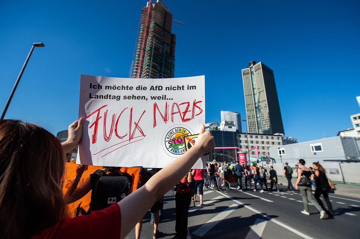 Die AfD hat den Einzug in zahlreiche Landesparlamente in Deutschland geschafft, sitzt mit knapp hundert Abgeordneten im Bundestag. Wo immer die Partei auftritt, regt sich Protest - nicht immer subtil.