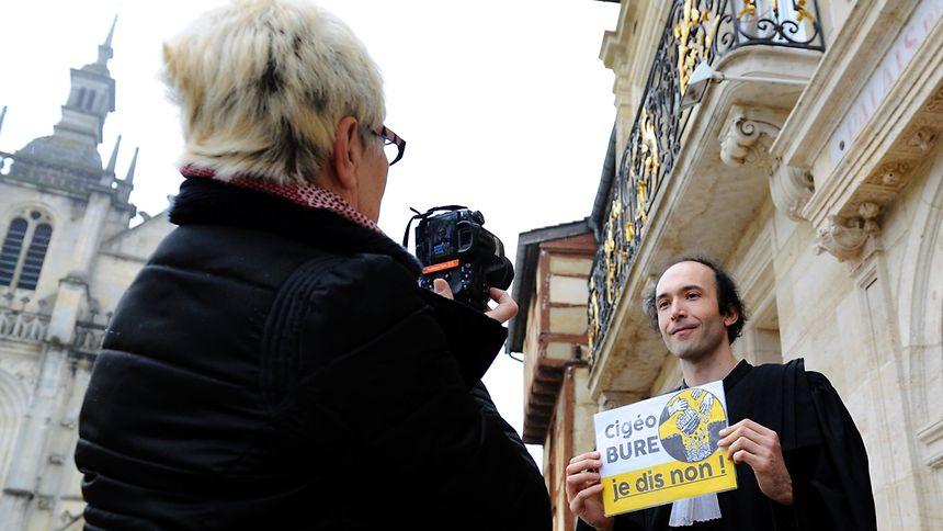 Der Anwalt der Umweltorganisationen Etienne Ambroselliam vergangenen Dienstag vor dem Gerichtsgebäude in Bar-le-Duc.