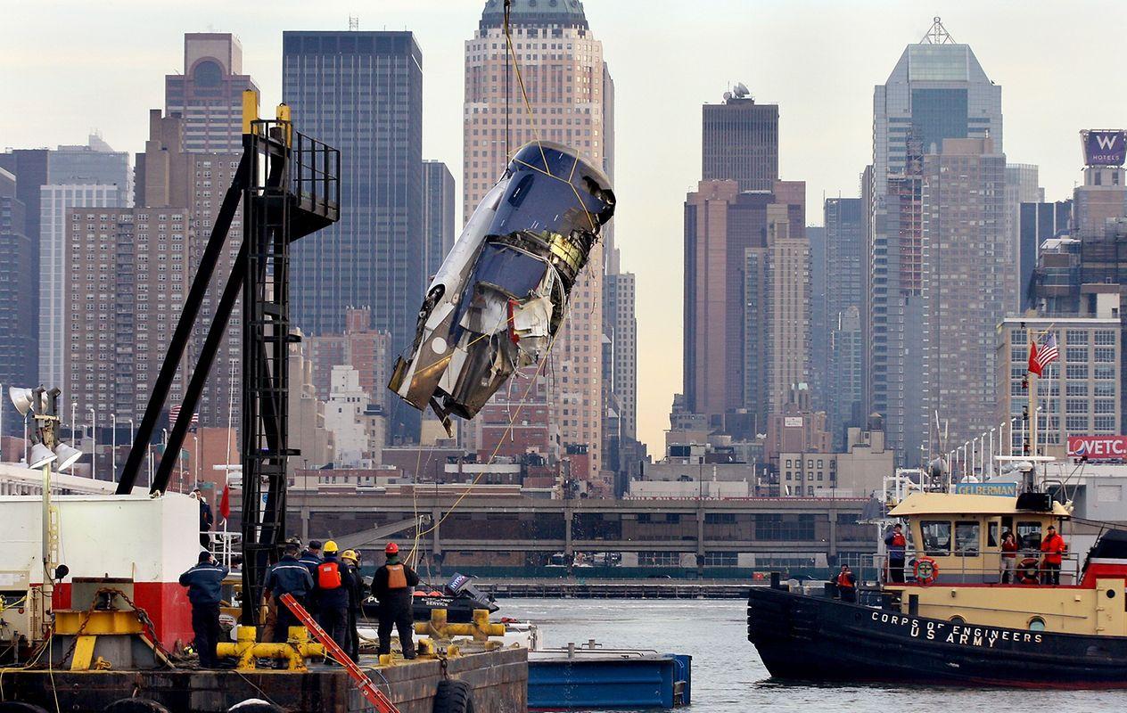 Alle 146 Passagiere und fünf Crew-Mitglieder konnten sicher an Land gebracht werden, Pilot Chesley Sullenberger sei Dank.
