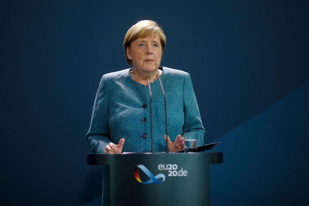 Die deutsche Bundeskanzlerin Angela Merkel (CDU) spricht im Kanzleramt vor den Medien während einer Erklärung zu den jüngsten Entwicklungen im Fall des russischen Regierungskritikers Nawalny.