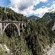 Krokodil-Lokomotive,Offener Aussichtswagen,Filisurer Stübli,Sommer,Davos Platz - Filisur,Viadukt /  Andrea Badrutt
