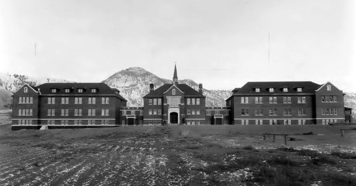 Die Kamloops Indian Residential School in den 1930er-Jahren.