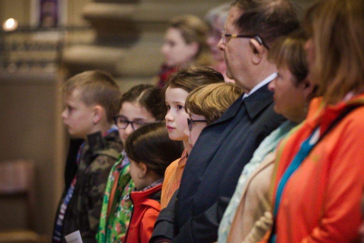 Messe für die neuen Pfarreien: Mëllerdall Saint - Michel (Fels) + Miersch Saint - François (Mersch) + Äischdall - Helpert St-Willibrord