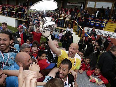 Jonathan Joubert raises his tenth trophy