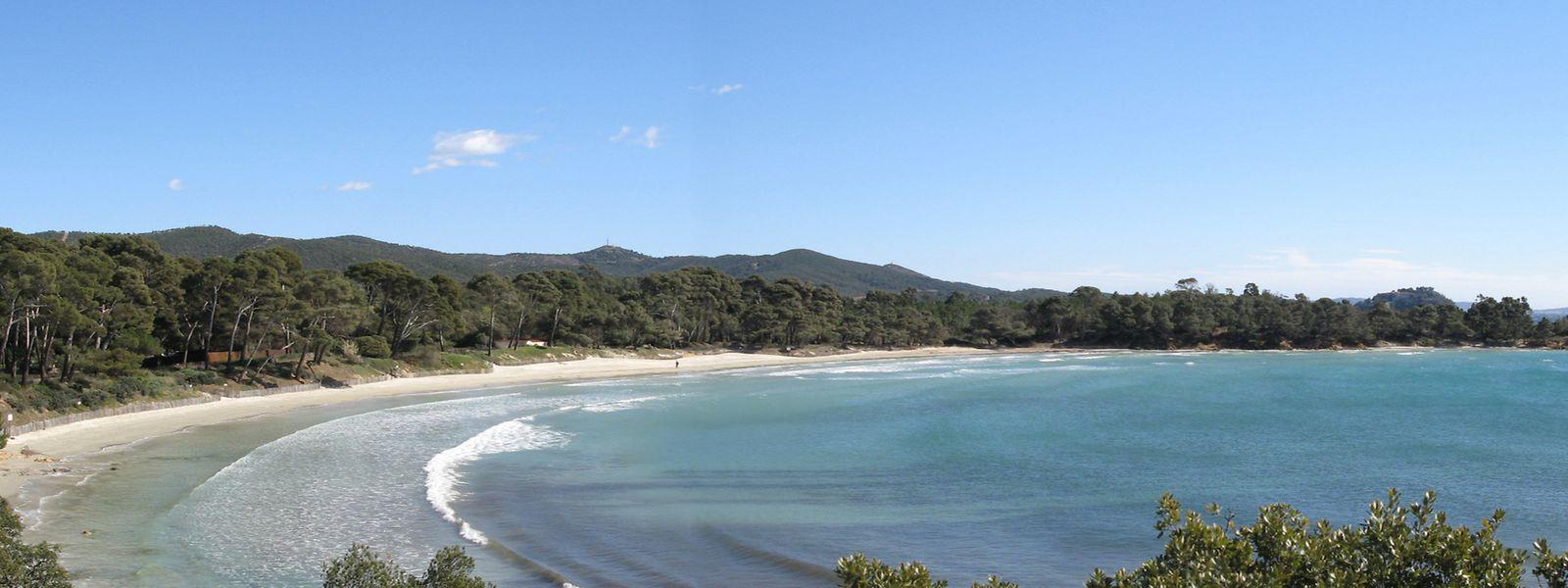 La plage de Cabasson tient son nom d'un hameau de Bormes-les-Mimosas
