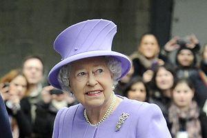Die Queen scheint wieder auf dem Wege der Besserung zu sein.